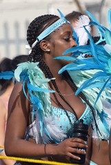 DSC_2505b Notting Hill Caribbean Carnival London Exotic Blue and White Colourful Costume with Feathers Showgirl Performer Aug 28 2017 Stunning Lady (photographer695) Tags: notting hill caribbean carnival london exotic blue white colourful costume with feathers showgirl performer aug 28 2017 stunning lady