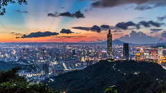 Firing Sunset 赤城飛暮霞 (Sharleen Chao) Tags: taipei101 skyline landscape skyscraper 台北101 台灣 風景 拇指山 cityscape city canon canoneos5dmarkiii building 101 urban outdoor horizontal nopeople taiwan taipei capitalcity highangle color tone 象山隧道 觀音山 sunset night cloudy 夜景 四獸山步道 locallandmark