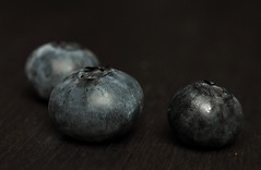staying healthy (skloi) Tags: macromondays stayinghealthy blaubeeren blueberries blue berries fruits