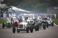 Goodwood Trophy Race Start (antoinedellenbach.com) Tags: circuit motorsport eos automotive automobiles automobile racecar sport course lightroom coche photography photographie vintage historic auto canon paddock pitlane carphotography worldcars england grcc goodwood revival racestart