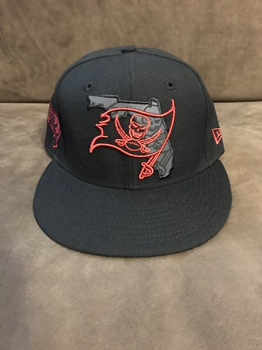 2017 Tampa Bay Buccaneers Reflective Fashion Hat