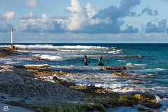 Harpoon fisherman (emmanuelbernard1) Tags: france mer paysage peche phare polynésie rangiroa sea seascape fishing fisherman beacon harpoon polynesie
