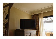 Corralejo, Fuerteventura, Spain (Jordane Prestrot) Tags: jp21458 hôtel hotel chambre room habitación téléviseur tv television télévision télé televisor televisión tele blackhole trounoir agujeronegro jordaneprestrot corralejo fuerteventura