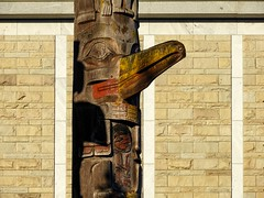 Unbound (geoffwi100) Tags: britishcolumbia pacificnorthwest firstnationsart artofaboriginalpeoples firstpeoples carving firstnations royalbcmuseum victoriabc totem totempole thunderbirdpark