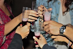 Cheers! (ThatPrettyGingerGirl) Tags: cheers glass brindisi bicchieri hands mani night party festa compleanno allasalute cincin champagne spumante friends