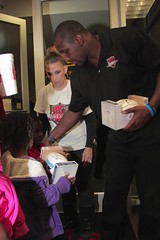 """thomas-davis-defending-dreams-foundation-thanksgiving-at-lolas-0221 • <a style=""""font-size:0.8em;"""" href=""""http://www.flickr.com/photos/158886553@N02/36787610380/"""" target=""""_blank"""">View on Flickr</a>"""