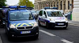 Paris - Véhicule de Patrouille GN & TV PN
