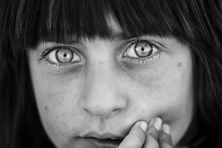 The fear in this little yazidi eyes