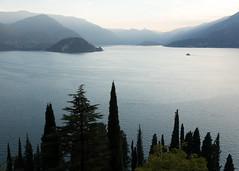 Varenna evening-16 (Paul Dykes) Tags: varenna lombardy lombardia italy italia lakecomo lagodicomo eveninglight evening it
