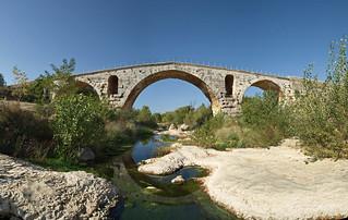Le pont Julien. Vaucluse.