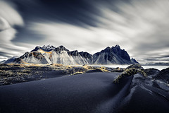 Vestrahorn Islande (EtienneR68) Tags: landscape bleu blue colors eau mer hills montagne mountain nature paysage vestrahorn snaefellsnes sea water marque a7r2 a7rii sony pays iceland islande type longexposure