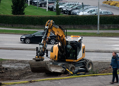 Excavator (Linnea from Sweden) Tags: excavator city road work nikon d7000 ed afs nikkor 70300mm 14556g vr if swm car urban
