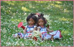 Blumenkinder ... (Kindergartenkinder) Tags: dolls himstedt annette park blume garten kindergartenkinder essen grugapark personen blumen sommer leleti