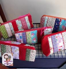 Retalhos.....necessaire..... (Ma Ma Marie Artcountry) Tags: necessaire necessairedetecido patchwork retalhos fabricpurse