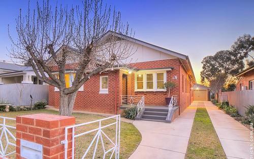 12 Richard St, Turvey Park NSW 2650