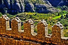 Murallas, Alquezar (unmirall) Tags: alquezar hdr aragón edificio edifici building muralla wall architecture arquitectura