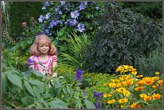 Blumenmädchen Margie ... (Kindergartenkinder) Tags: schlossanholt dolls himstedt annette park kindergartenkinder sommer wasserburg margie isselburg
