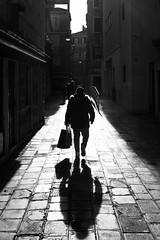 Streets of Venice (Bastian.K) Tags: venedig zeisszm35 venice italy italien shadow street streetphotography decisive moment strasenfotografie venezia schatten