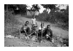 Malawi (Vincent Karcher) Tags: vincentkarcherphotography africa afrique art blackandwhite culture documentary malawi noiretblanc people portrait project rue street travel voyage world kid child enfant children monde