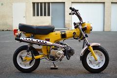 Le Dax jaune (Rémy Hugon) Tags: honda mini4temps mini4stroke crf oldschool vintage ride moto nikon