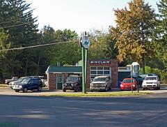 Sinclair Station (PPWIII) Tags: sullivan muskegon gas station sinclair dino dunlap heightsravenna