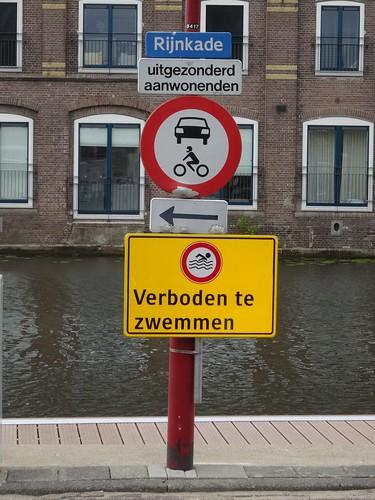 Bodegraven: Rijnkade Signs