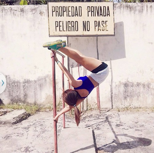 "Día Nacional de Pole Urbano Venezuela 2017 • <a style=""font-size:0.8em;"" href=""https://www.flickr.com/photos/79510984@N02/36060423363/"" target=""_blank"">View on Flickr</a>"