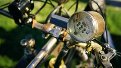 """Jones speedometer"" (Eric Flexyourhead) Tags: surrey britishcolumbia bc canada southsurrey crescentbeach crescentbeachconcoursdelegance 2017 detail fragment british motorcycle motorbike bike ariel ariel3½hpdeluxeroadster instrument gauge speedometer jonesspeedometer brass old vintage antique weathered worn patina shallowdepthoffield bokeh 169 sonyalphaa7 zeisssonnartfe55mmf18za zeiss 55mmf18"