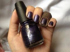 C-c-courage (China Glaze) (Daniela nailwear) Tags: chinaglaze cccourage roxo glitter esmaltes esmalteimportado mãofeita