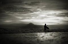 at sunset beach (kenichiro_jpn) Tags: fomapan400 elmar film m3