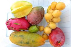 Os traigo unas frutas exóticas (Micheo) Tags: granada spain costatropical almuñecar papaya datil pitahaya mango carambolo maracuyá frutadelapasion dragonfruit frutas fruit