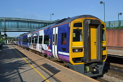 Northern Express Sprinter 158795 (Will Swain) Tags: sheffield station 17th june 2017 train trains rail railway railways transport travel uk britain vehicle vehicles country england english south yorkshire north east meadowhall northern express sprinter 158795 class 158 795