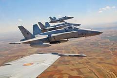 Ala 12 misión de entrenamiento (Ejército del Aire Ministerio de Defensa España) Tags: ala12 baseaéreadetorrejón f18 mcdonnelldouglasf18 piloto pilotodeavión pilotodecaza avión aviación ejércitodelaire fuerzaaéreaespañola madrid