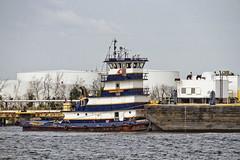 r_170921295_beat0057_a (Mitch Waxman) Tags: killvankull newyorkcity newyorkharbor statenisland tugboat newyork