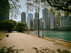 Rest (ancientlives) Tags: chicago illinois il usa lake lakemichigan lakefronttrail lakeshore olivepark ohiostreetbeach beach sunday september 2017 autumn downtown architecture buildings bluesky heat heatwave weather skyline city cityscape skyscrapers