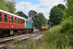 Class 26 loco D5343 (26043) at Shottle, with the 14.05 from Wirksworth to Duffield, passing 31206 with the 14.12 departure from Duffield. Ecclesbourne Valley Railway Summer Diesel Gala. 13 08 2017 (pnb511) Tags: ecclesbournevalleyrailwayevrwirksworthderbyshirepeak districttrainrailwaydiesellocolocomotiverailtrackengineclass 31class 26 ecclesbourne valley railway summer diesel gala 13 08 2017