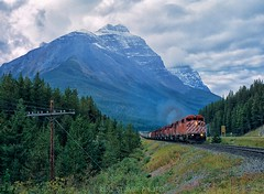 Kicking Horse Pass, Canada (rolfstumpf) Tags: canada canadianpacific kickinghorsepass britishcolumbia rockymountains mountains trains freighttrain railway railroad emd sd402 sd402f cathedralmountain mountstephens field fujichrome rdp analog mamiya 645super