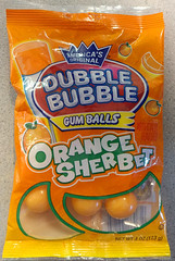 (Veee Man) Tags: lg cellphone lgv20 smartphone loslunas meadowlake newmexico food candy gum bubblegum doublebubble bag orangesherbet orange yellow red white green sphere 3 three