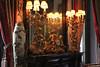 Madrid, palais Cerralbo : horloge de cheminée (philippeguillot21) Tags: horloge candélabre vase miroir mirror palais palacio palace dorure cerralbo madrid spain europe pixelistes canon espagne