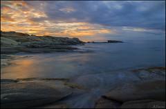 Luz del amanecer (antoniocamero21) Tags: marina cala amanecer color foto sony rocas reflejo calonge girona catalunya