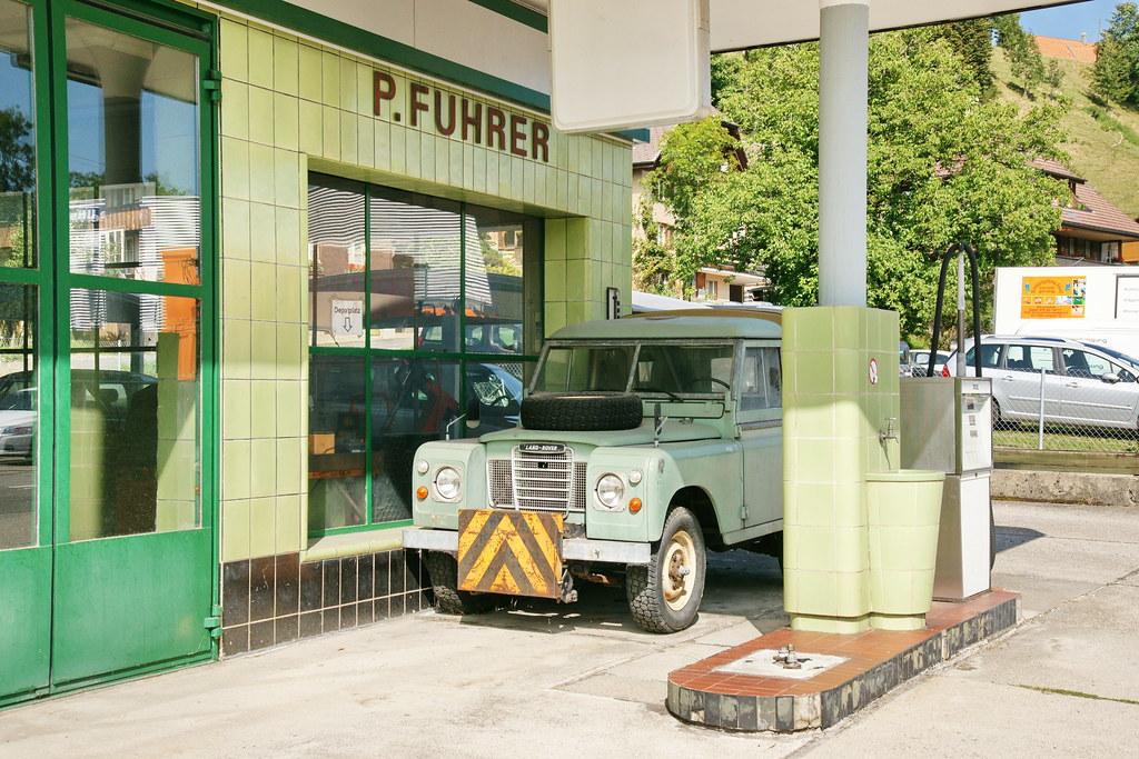 The world 39 s best photos of auto and garage flickr hive mind for Garage land rover villeneuve d ascq
