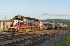 Yarding at Port Jervis (sullivan1985) Tags: metronorth westofhudson woh rebuild newyork orangecounty portjervis southerntier portjervisline evening commuter commutertrain passenger passengertrain signals searchlights westbound hobokendivision emd electromotive gp40 geep railroad railway ny yard mncw4906 gp40ph2m mta
