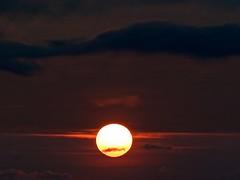 Al di sopra delle nuvole (Fernando De March) Tags: solealbafoschianuvolefiltrareraggicielo