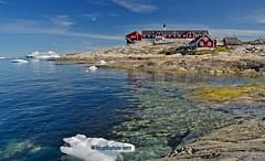 Ilulissat-Grönland /  Bucht (kh goldphoto) Tags: grönland greenland ilulissat diskobucht diskobay baffinbay icefjord eisberg iceblue aida aidacara hotelarctic eiswasser arctic holzhäuser arktischersommer