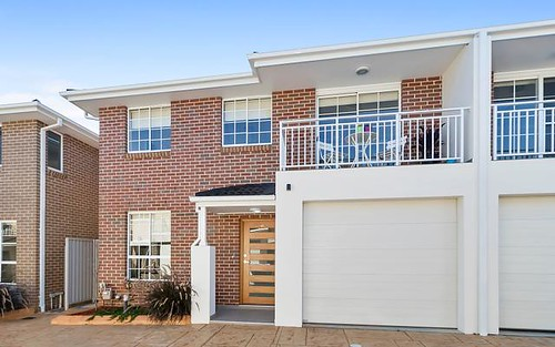 10/10 Old Glenfield Road, Casula NSW