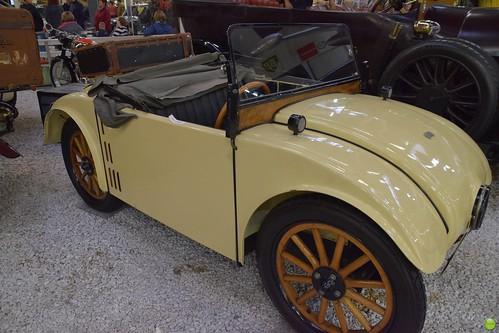Wooden car wheel