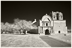Tumacacori IR #5 2017; Main Facade (hamsiksa) Tags: blackwhite infrared digitalinfrared arizona tumacacori tumacacorinationalhistoricpark santcruzcounty nationalparkservice history indian nativeamerican tohonooodham akimeloodham pima papago spanishcolonial architecture southwestern churches religious catholic sacred colonial masonry church convento domed domes stone brick