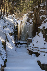 Flickr-52.jpg (Juliette Savey) Tags: climbing usa whitemountains etatsunis winter flume mountains flumegorge escalade snow iceclimbing waterfall hiver cascade newhampshire neige nh glace gorge ice