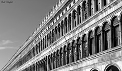 Perspective (WinRuWorld) Tags: building architecture lines perspective monochrome blackandwhite blackwhite italy italia venice venezia piazzasanmarco stmarkssquare procuratievecchie arch handheld naturallight outdoors canon canon60d canoneos60d elegant classical pattern texture travelphotography whiteblack earlyrenaissance bw