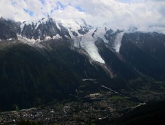2017-07-22 (Giåm) Tags: chamonix valléedechamonix brévent aiguilledumidi bossons glacierdesbossons glacier gletscher glaciär gletsjer glaciar massifdumontblanc montblancmassif hautesavoie rhônealpes alpes alps alpen alperna france frankreich frankrike frankrig giåm guillaumebavière